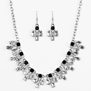 🆕 Rhinestone Necklace with Earrings